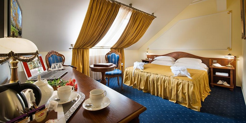 Prague 5 star luxury hotels reviews Best 5 star hotels in Prague old town city centre